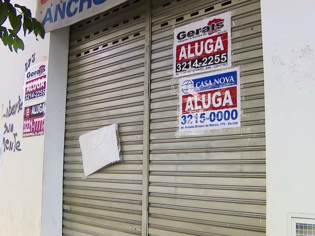 Comércio fechado em Divinópolis (Foto: TV Integração/Reprodução)