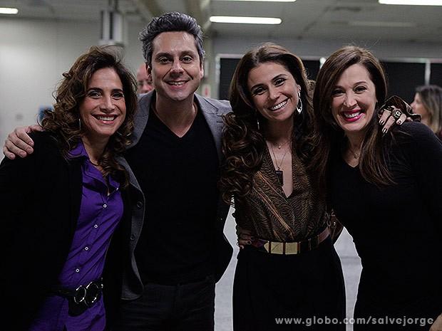 Totia Meireles, Alexandre Nero, Giovanna Antonelli e Claudia Raia rodam cenas finais de Salve Jorge (Foto: Salve Jorge/Tv Globo)