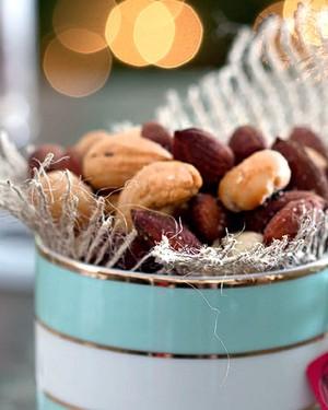 Nuts com alecrim e flor de sal (Foto: Cacá Bratke/Editora Globo)