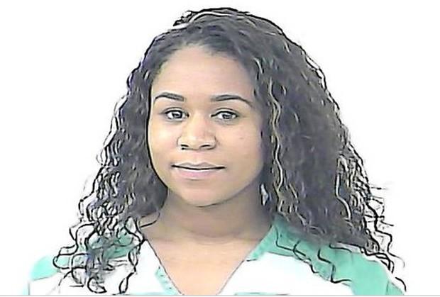 La'Reese Michelle Darville gastou mais de R$ 116 mil em casamento usando cartão de crédito do chefe (Foto: Divulgação/St. Lucie County Jail)