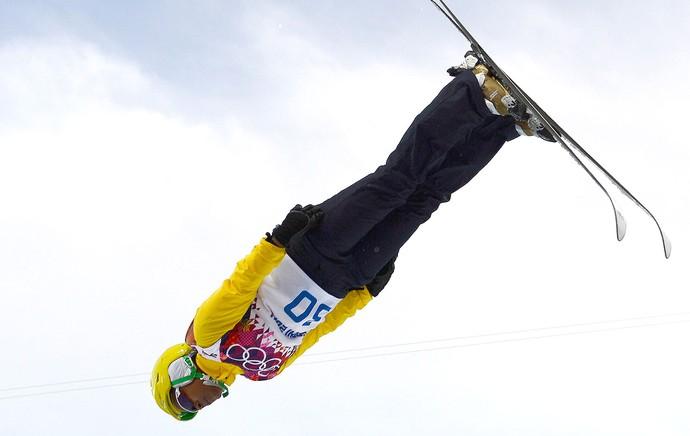 Josi Santos salto esqui Sochi (Foto: AFP)