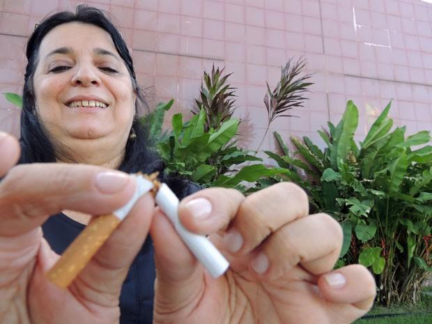 Sem fumar há 11 meses, a Juiza Eliane comemora vitória nas redes sociais (Foto: Vitor Tavares / G1)