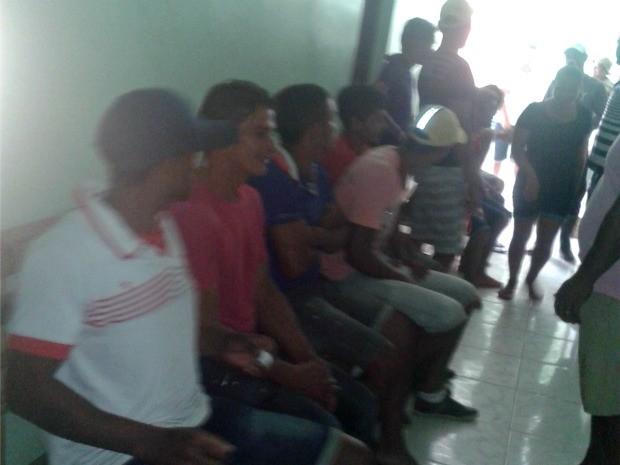 Funcionários alegam que estão com salários atrasados há meses (Foto: Francisco Souza/Arquivo pessoal)