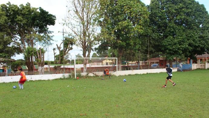 Escolinha de base de Guajará-Mirim (Foto: Júnior Freitas)