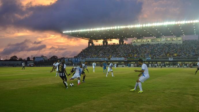 Santos-AP e Paysandu pela Copa Verde 2015 (Foto: Jonhwene Silva/GE-AP)