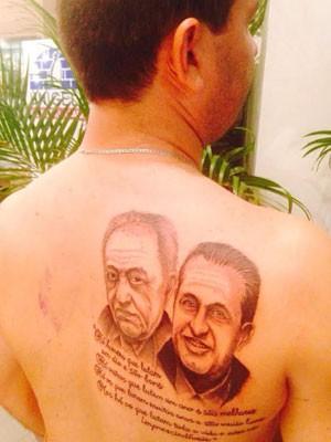 Além da imagem dos políticos, o prefeito tatuou uma frase do dramaturgo e poeta alemão Berthold Brecht (Foto: Junior Matuto/Acervo pessoal)