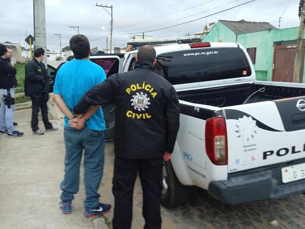 Preso, jovem, suspeito, espancar, Canguçu, posto, coma (Foto: Divulgação/Polícia Civil)