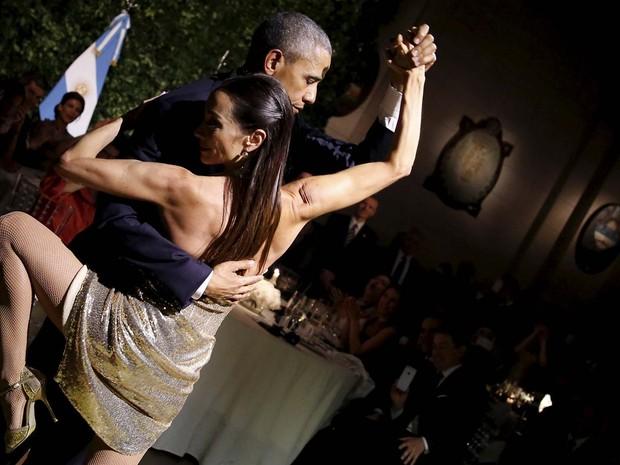Obama dança tango com bailarina durante jantar de Estado com Maurício Macri na Argentina (Foto: REUTERS/Carlos Barria)