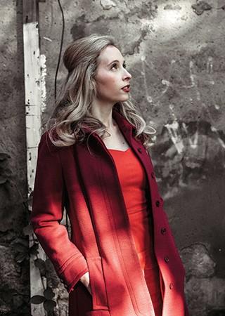 SEM PRESSA Noreena Hertz em Londres. Ela diz adiar decisões quando está faminta ou estressada (Foto: Marc Nolte)