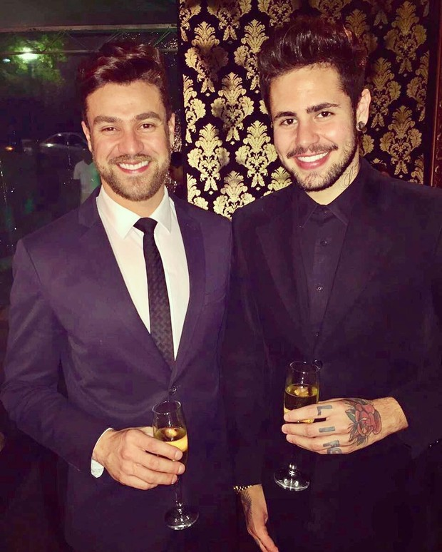 Leandro Buenno e o namorado, Vinícius Trindad  (Foto: Reprodução / Instagram)