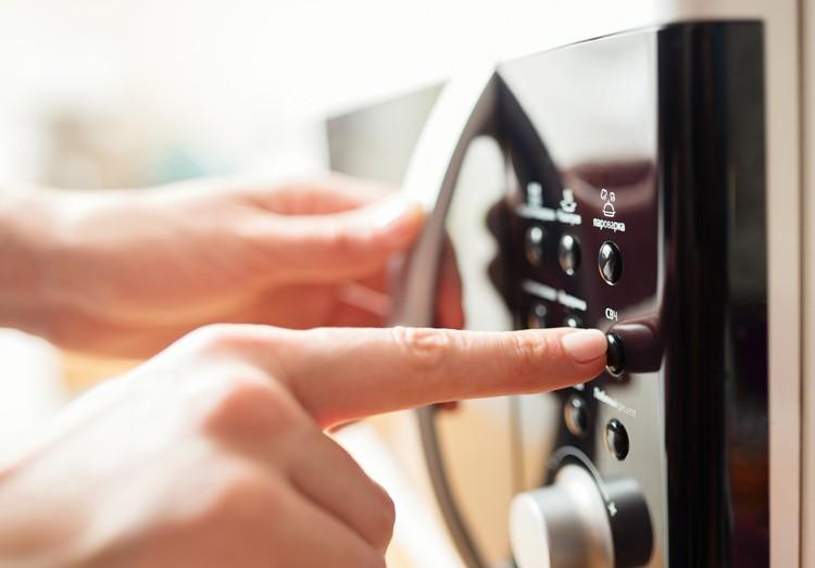 Micro-ondas: como esquentar corretamente os pratos (Foto: Reprodução: Thinkstock)
