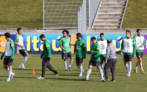 Treino da Seleção em Genebra (Foto: Vipcomm)
