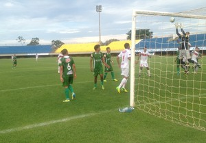 Guaraí vence o Taquarussú de goleada no mata-mata (Foto: Edson Reis/GloboEsporte.com)