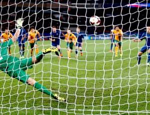Franck Ribery gol França contra Austrália (Foto: Reuters)