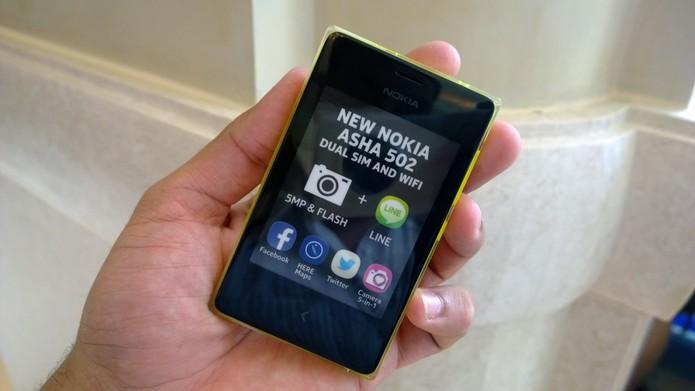 Nokia Asha 502 (Foto: Allan Melo / TechTudo)