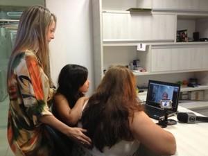 Ana Paula Paixão acompanhou e encontro virtual (Foto: Vanessa Vasconcelos/G1)