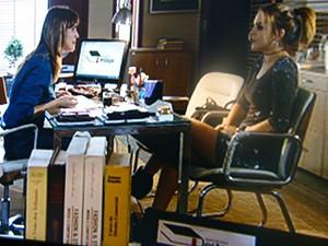 Raíssa conta para Anita que ela pode ser reprovada  (Foto: Malhação / TV Globo)