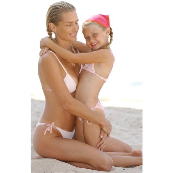 Yolanda Hadid com a pequena Gigi (Foto: Reprodução/Instagram)
