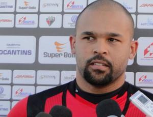 Márcio goleiro atlético-go (Foto: Fernando Vasconcelos)