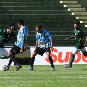 Uberlândia x Montes Claros, hexagonal Mineiro 2014 (Foto: Gullit Pacielle)