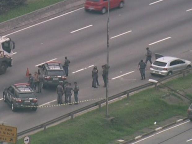 Ação da Rota com suspeito morto em troca de tiros (Foto: Reprodução / TV Globo)