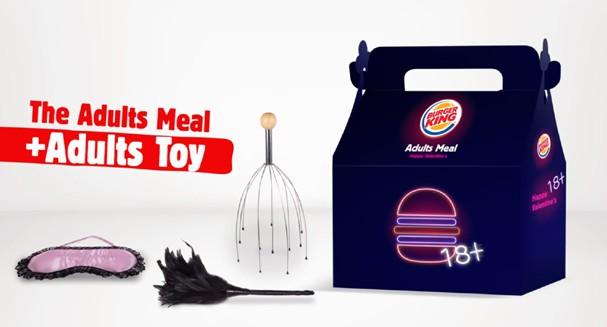 Lanche de fast food que vem com brinquedinhos adultos: você compraria? (Foto: Reprodução/Instagram)
