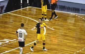 """Vice pela """"primeira"""" vez na Liga Futsal, Falcão avisa: """"Voltaremos mais fortes"""""""