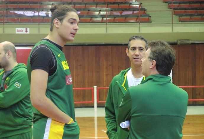 Anderson Varejão Ruben Magnano José Neto seleção brasileira basquete São Paulo (Foto: David Abramvezt)