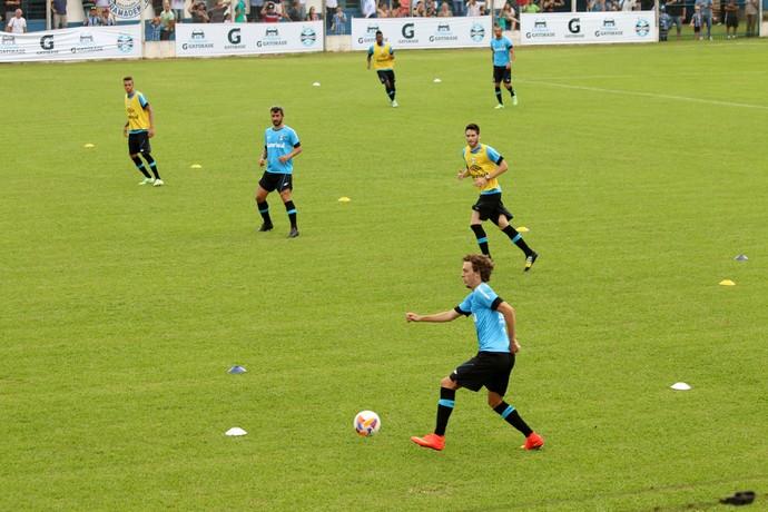 galhardo grêmio treino pré-temporada gramado (Foto: Lucas Rizzatti/GloboEsporte.com)