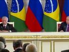 Na Rússia, Temer assina acordo com Putin e evita falar sobre crise