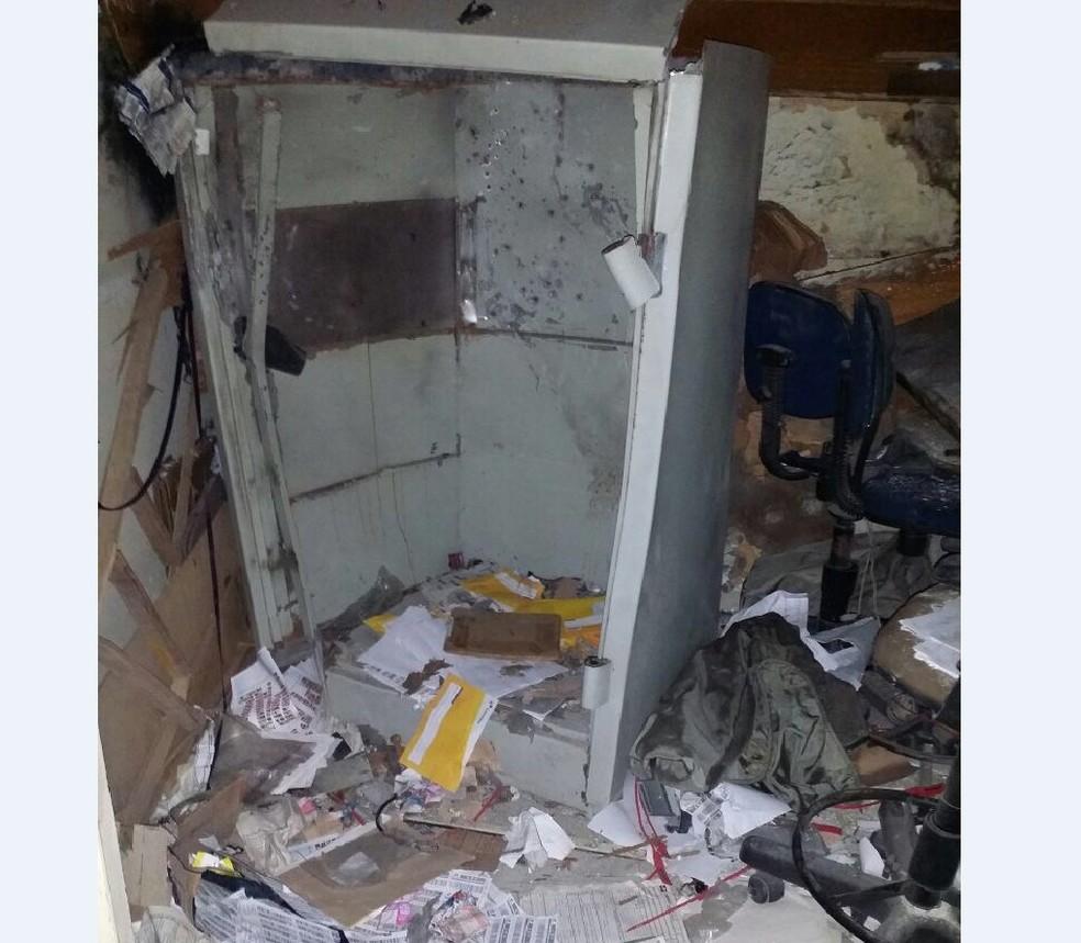Estabelecimento ficou destruído após a ação dos criminosos (Foto: Divulgação/Polícia Federal)
