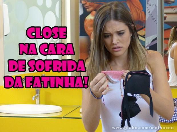 CLOSE na tristeza da Fatinha! E ela tava tão feliz com o presentinho... (Foto: Malhação / Tv Globo)