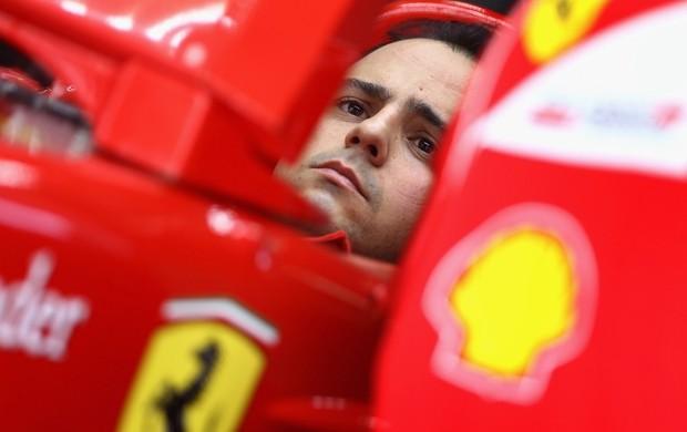 Felipe Massa acompanha os tempos no cockpit (Foto: Getty Images)