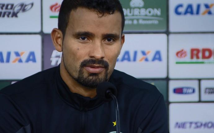Leandro Silva zagueiro Coritiba (Foto: Reprodução RPC)