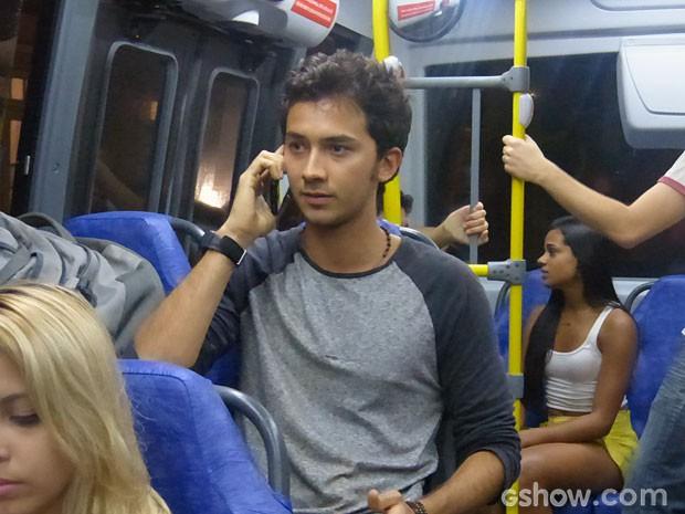 Ben pede para ficar no apartamento de Sidney enquanto investiga a situação (Foto: Malhação/ TV Globo)