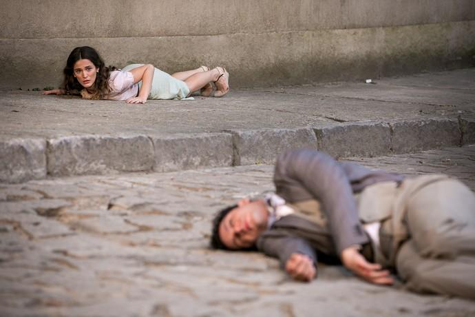 Celso salva Maria de atropelamento (Foto: Isabella Pinheiro/Gshow)