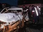 Carro fica destruído e um morre após batida  (Sigi Vilares/Blog do Sigi Vilares)