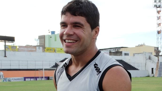 candinho central (Foto: Lafaete Vaz / GloboEsporte.com)