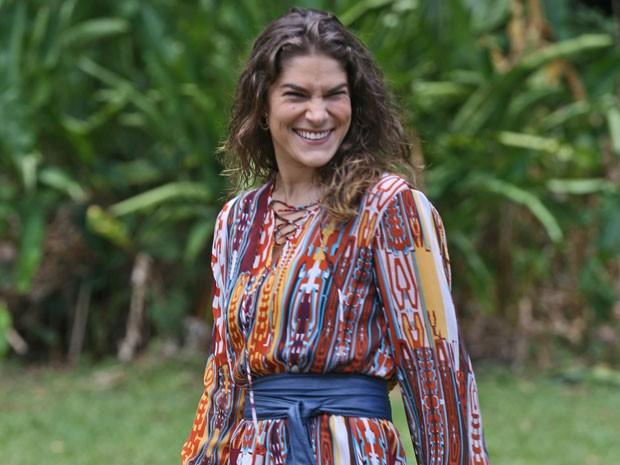 Personagem de Priscila Fantin será a nova contadora da Vip Turismo, Solange. (Foto: Pedro Curi/Gshow)
