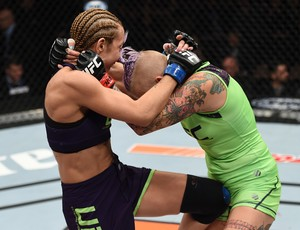 MMA TUF 20 Finale, Bec Rawlings x Heather Jo Clark (Foto: Getty Images)