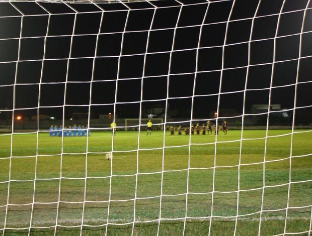 Espigão vence Genus nos pênaltis e leva título do Rondoniense Sub-20 (Foto: Shara Alencar/GLOBOESPORTE.COM)