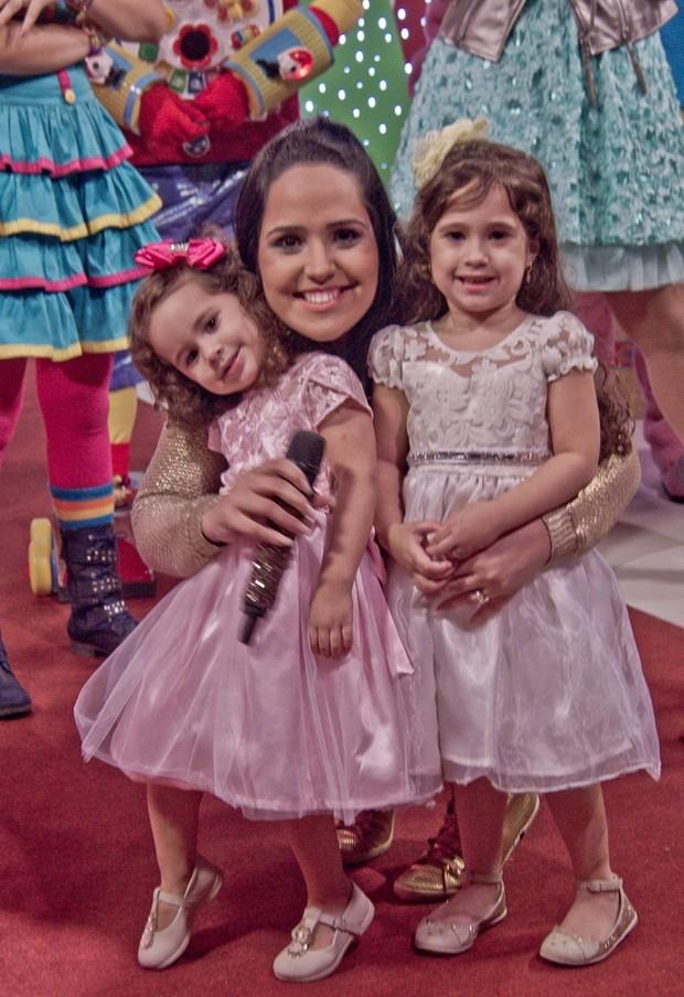 Perlla com as filhas (Foto: Divulgação/Kiko Photografo)