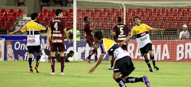 Jogadores gol Criciúma  (Foto: Itawi Albuquerque / Ag. estado)