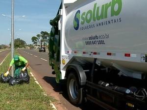 Consórcio inicia trabalho de coleta e destinação de lixo em Campo Grande MS (Foto: Reprodução/TV Morena)