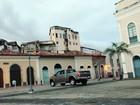 Motorista é flagrado ao trafegar em calçada do Centro Histórico da capital