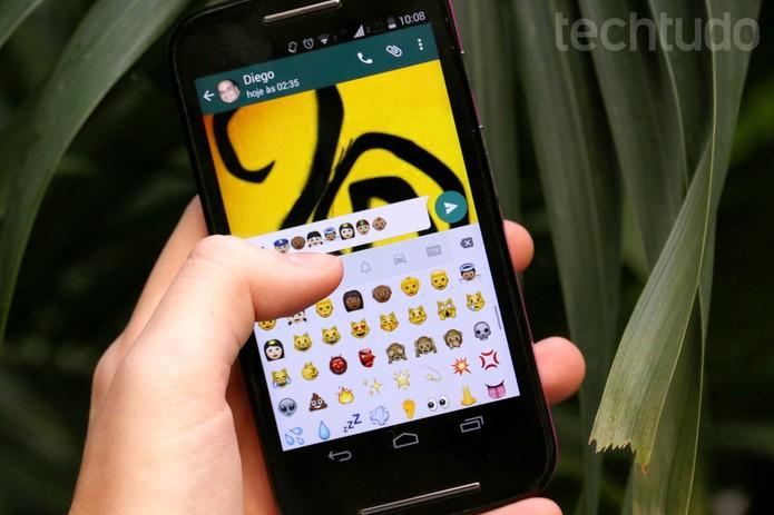 WhatsApp para Android atualiza com mais opções de emojis (Foto: Luciana Maline/TechTudo)