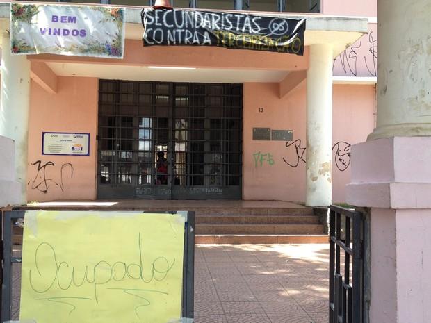 Colégio Estadual Lyceu de Goiânia, no Centro, foi ocupado por estudantes (Foto: Vitor Santana/G1)