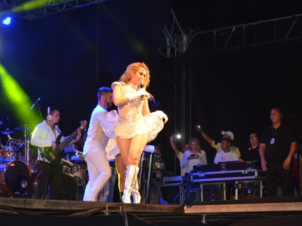 Show de Joelma aconteceu em uma arena de shows na Zona Sul de Macapá (Foto: John Pacheco/G1)