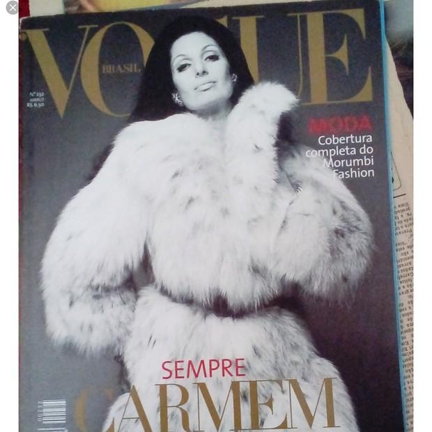 Carmen Mayrink Veiga na capa da Vogue Brasil (Foto: Reprodução)