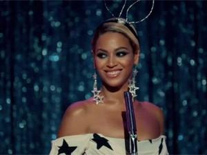 Beyoncé em 'Pretty hurts' (Foto: Divulgação)